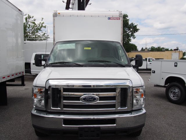 2018 E-350 4x2,  Morgan Mini-Mover Cutaway Van #267802 - photo 4
