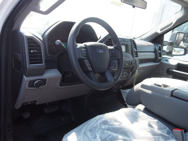2018 F-250 Regular Cab 4x2,  Reading Service Body #268034 - photo 7