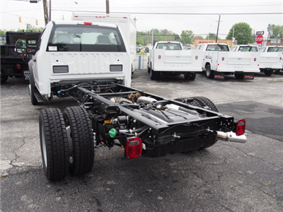 2018 F-550 Regular Cab DRW, Cab Chassis #268048 - photo 2