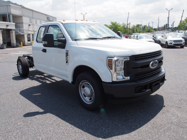 2018 F-350 Super Cab, Cab Chassis #268049 - photo 3