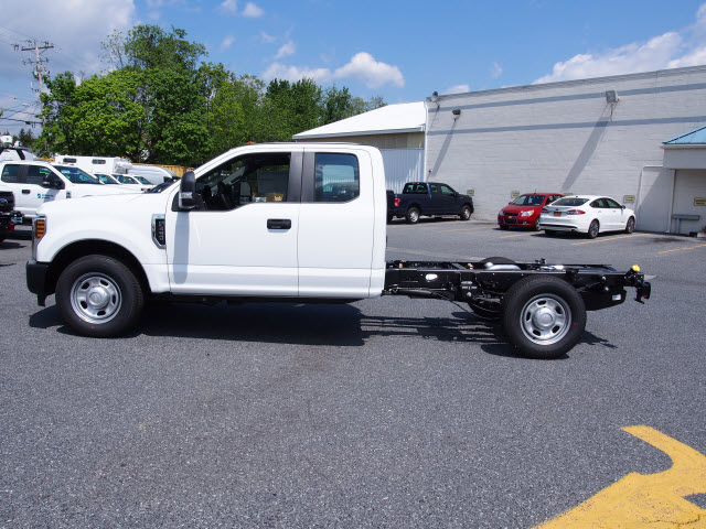 2018 F-350 Super Cab, Cab Chassis #268049 - photo 5