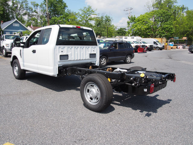 2018 F-350 Super Cab, Cab Chassis #268049 - photo 2