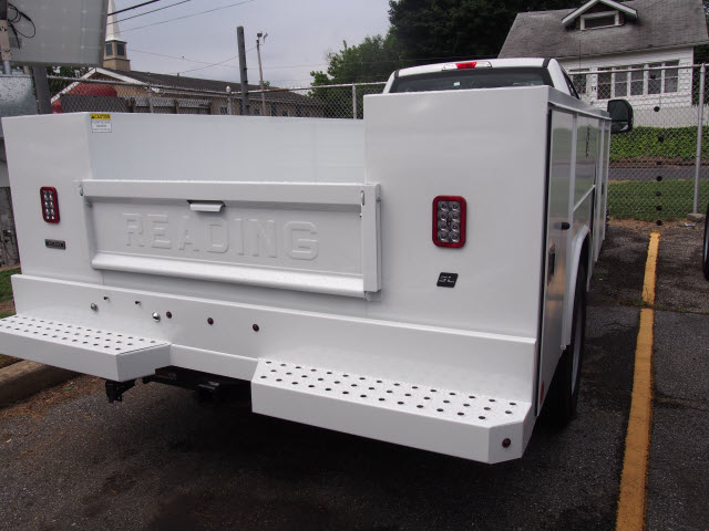 2018 F-550 Regular Cab DRW 4x4,  Reading Service Body #268194 - photo 3