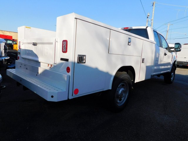 2018 F-350 Super Cab 4x4,  Reading Service Body #269187 - photo 2