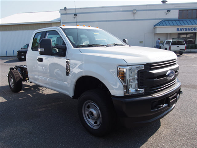 2018 F-350 Super Cab 4x4,  Cab Chassis #269187 - photo 3