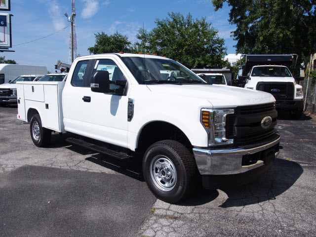 2018 F-250 Super Cab 4x4,  Reading Service Body #269365 - photo 3