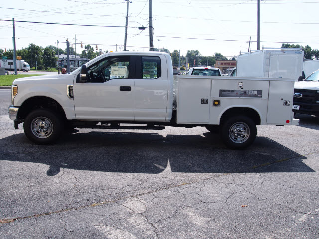 2018 F-250 Super Cab 4x4,  Reading Service Body #269365 - photo 5