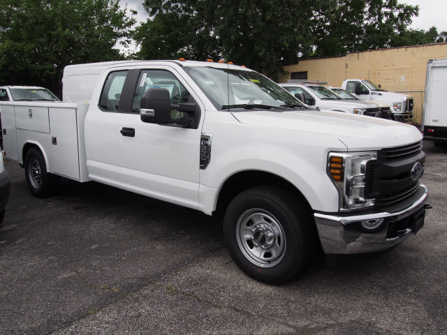 2018 F-350 Super Cab 4x2,  Reading Classic II Steel Service Body #269366 - photo 3