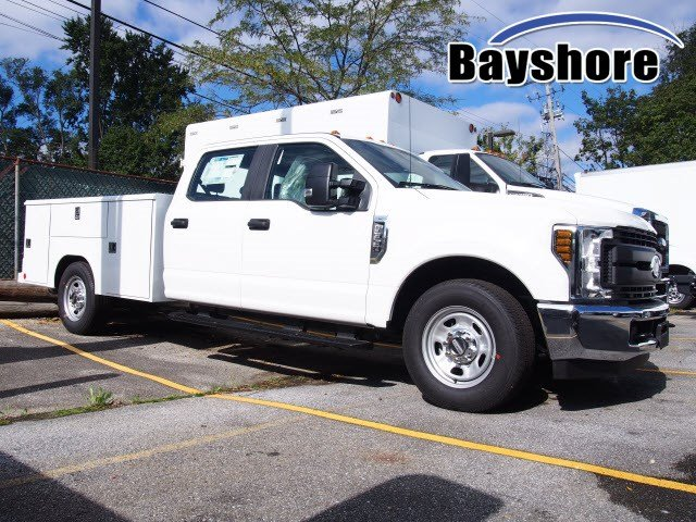 2019 F-350 Crew Cab 4x2,  Reading Classic II Steel Service Body #270805 - photo 3
