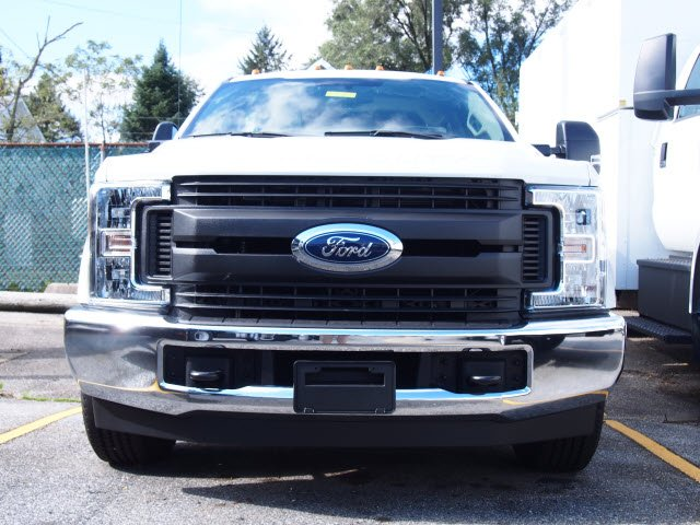2019 F-350 Crew Cab 4x2,  Reading Service Body #270805 - photo 4