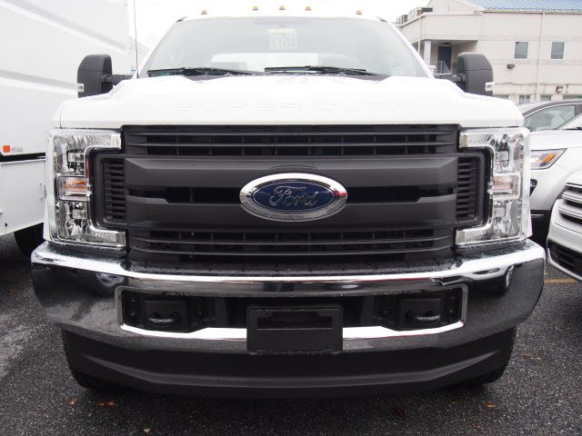 2019 F-350 Super Cab 4x4,  Reading Service Body #272353 - photo 3