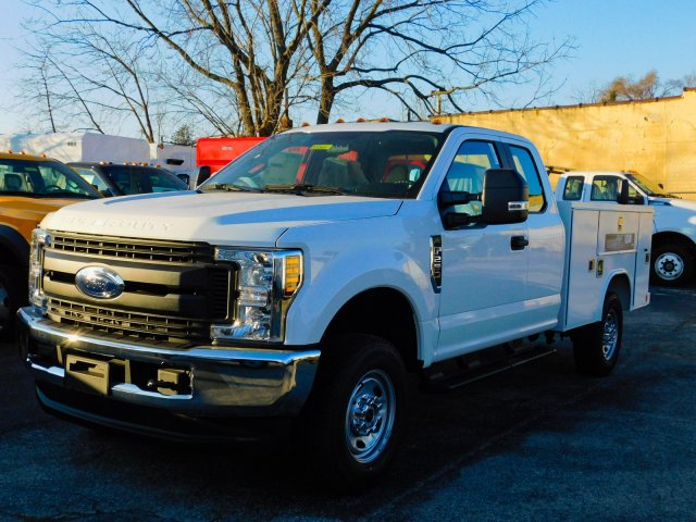 2019 F-250 Super Cab 4x4,  Reading Service Body #272411 - photo 4