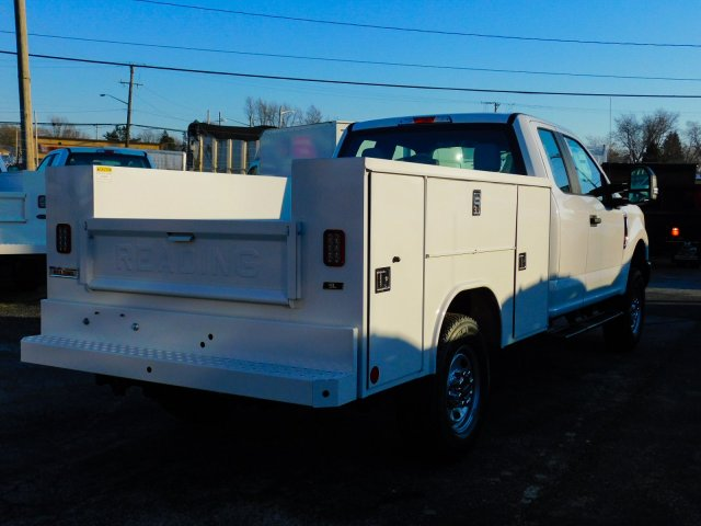 2019 F-250 Super Cab 4x4,  Reading Service Body #272411 - photo 2