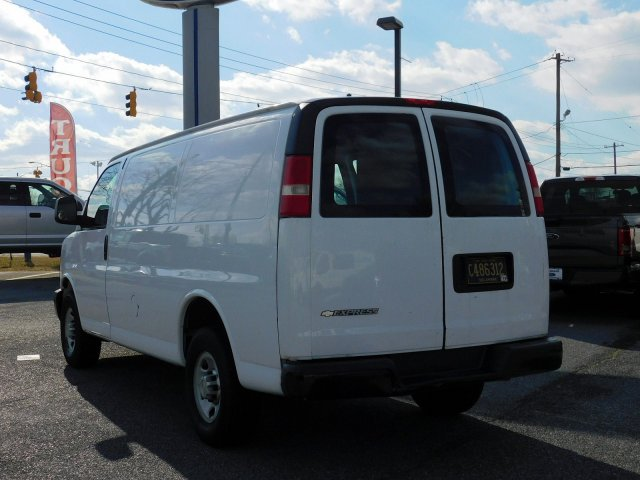 2009 Express 2500 4x2,  Empty Cargo Van #272878 - photo 2