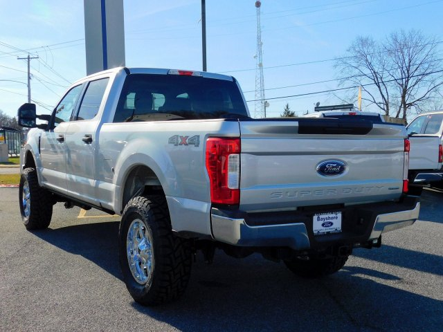 2018 F-250 Crew Cab 4x4,  Pickup #273094 - photo 3