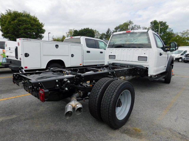 2019 F-550 Regular Cab DRW 4x2, Cab Chassis #279718 - photo 1