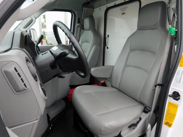 2019 E-350 4x2, Cutaway Van #279749 - photo 13