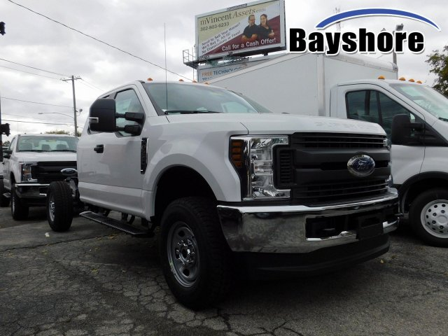 2019 F-350 Super Cab 4x4, Cab Chassis #280195 - photo 1