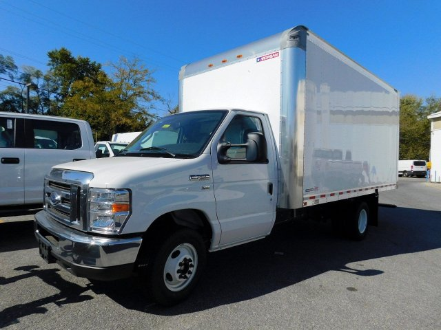 2019 E-350 4x2, Morgan Parcel Aluminum Cutaway Van #280617 - photo 3