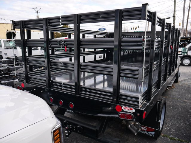 2019 F-550 Super Cab DRW 4x4, Reading Steel Stake Bed #280727 - photo 2