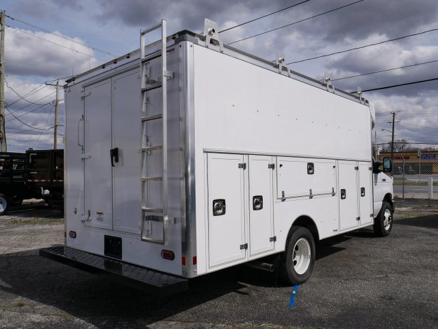 2019 E-450 4x2, Supreme Service Utility Van #281622 - photo 1