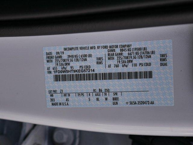 2019 F-550 Crew Cab DRW 4x4, Morgan Prostake Platform Body Stake Bed #282076 - photo 27