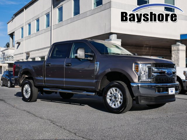 2018 F-250 Crew Cab 4x4, Pickup #282980 - photo 1