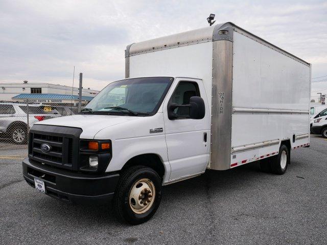 2015 E-350, Cutaway Van #283371 - photo 3