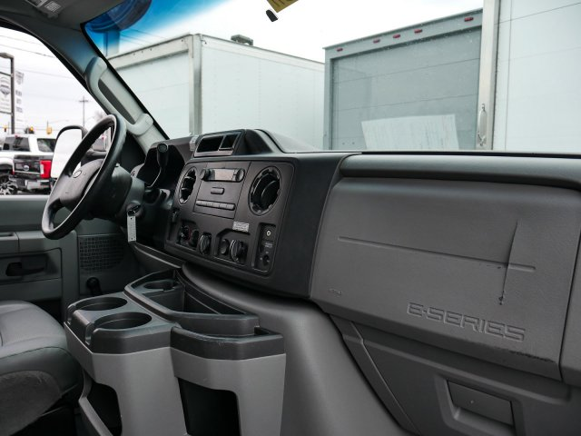 2015 E-350, Cutaway Van #283371 - photo 11
