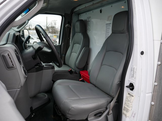 2015 E-350, Cutaway Van #283371 - photo 13