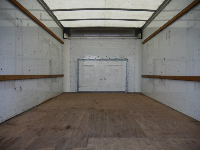 2015 E-350, Cutaway Van #283371 - photo 23