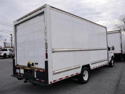 2015 E-350, Cutaway Van #283371 - photo 2