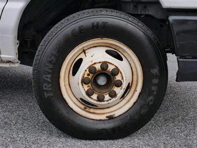 2015 E-350, Cutaway Van #283371 - photo 8