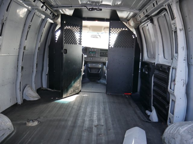2015 Savana 2500 4x2, Empty Cargo Van #283486 - photo 2