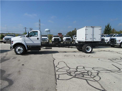2017 F-650 Regular Cab DRW Cab Chassis #30940 - photo 3