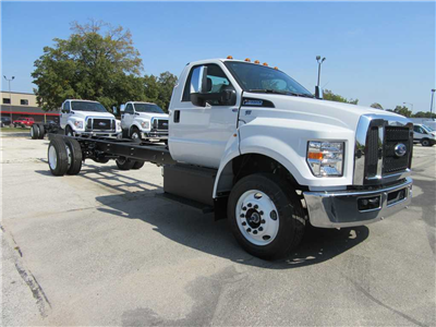 2017 F-650 Regular Cab DRW Cab Chassis #30940 - photo 4