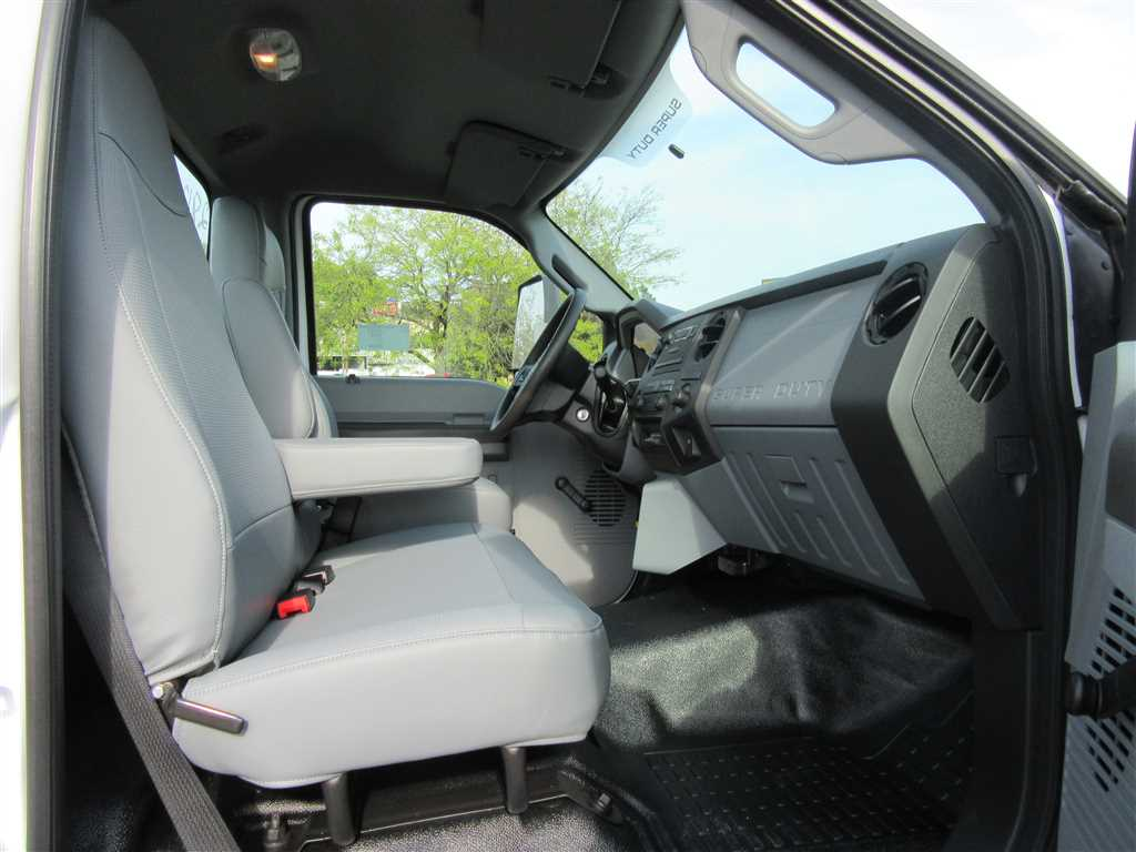 2017 F-750 Regular Cab Cab Chassis #30979 - photo 6