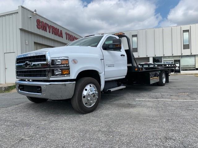 2019 Silverado Medium Duty 4x2, Miller Industries 10 Series Wrecker Body #5322 - photo 1
