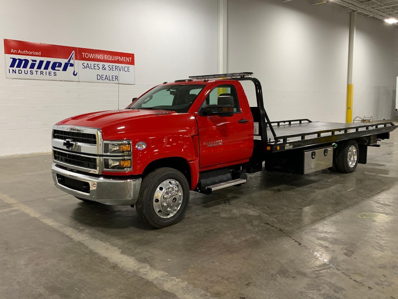 2019 Chevrolet Silverado Medium Duty 4x2, Miller Industries Wrecker Body #5340 - photo 1