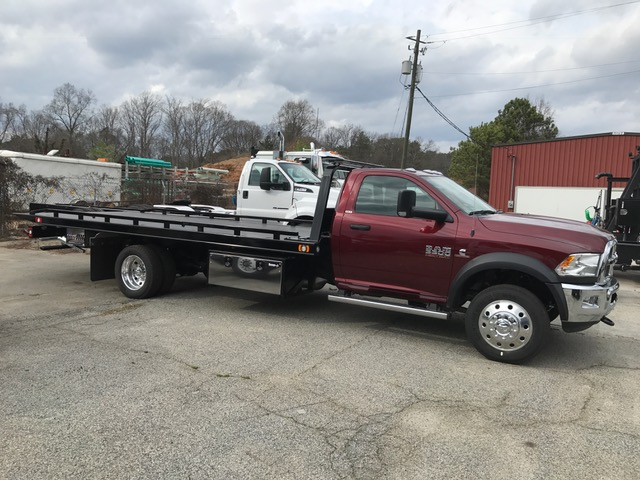 2017 Ram 5500 Regular Cab DRW Wrecker Body #6628 - photo 5