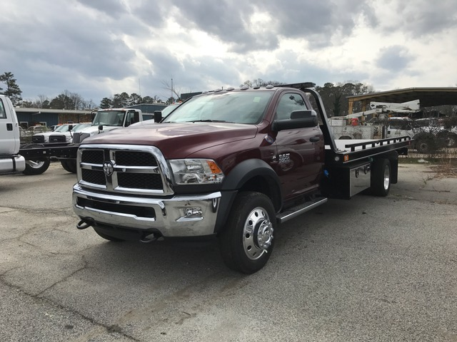 2017 Ram 5500 Regular Cab DRW Wrecker Body #6628 - photo 2