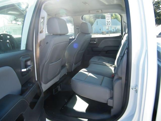 2015 Silverado 3500 Crew Cab, Pickup #CM15166 - photo 5