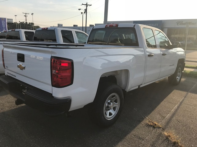 2018 Silverado 1500 Double Cab 4x2,  Pickup #CM18247 - photo 2