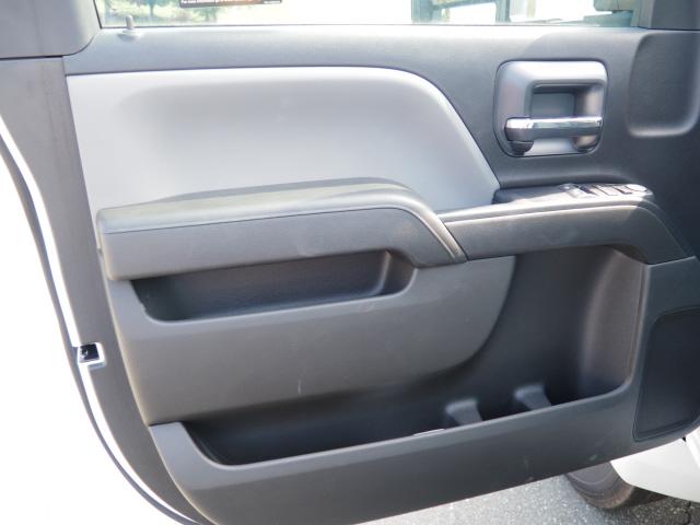 2019 Chevrolet Silverado 5500 Regular Cab DRW 4x2, Knapheide PGND Gooseneck Platform Body #CM19147 - photo 13