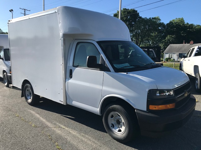 2019 Chevrolet Express 3500 RWD, Supreme Cutaway Van #CM19149 - photo 1