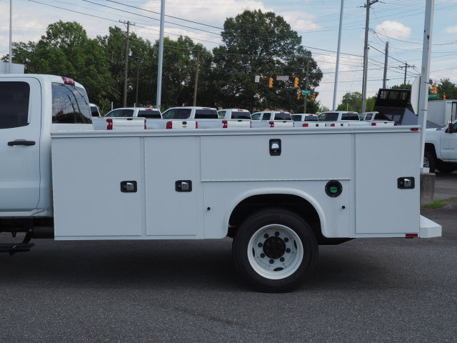 2019 Chevrolet Silverado 5500 Crew Cab DRW 4x2, Knapheide Steel Service Body #CM19223 - photo 2