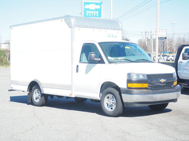 2021 Chevrolet Express 3500 4x2, Bay Bridge Cutaway Van #CM2133 - photo 1