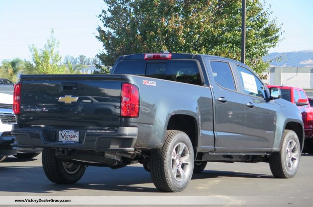 2018 Colorado Crew Cab 4x4, Pickup #54065 - photo 2