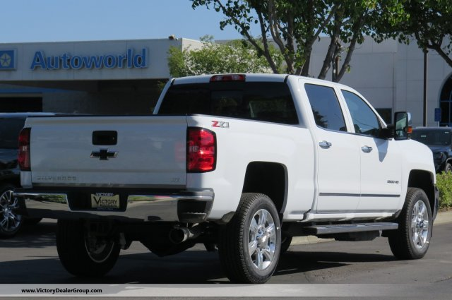 2018 Silverado 2500 Crew Cab 4x4,  Pickup #54531 - photo 2