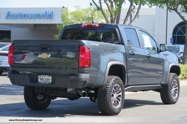 2018 Colorado Crew Cab 4x4, Pickup #54676 - photo 2
